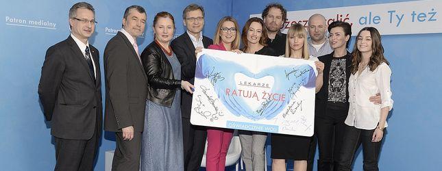 Gwiazdy serialu Lekarze w kampanii Lekarze ratują życie FOTO