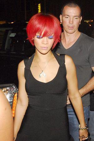 Rihanna imprezuje sama (FOTO)