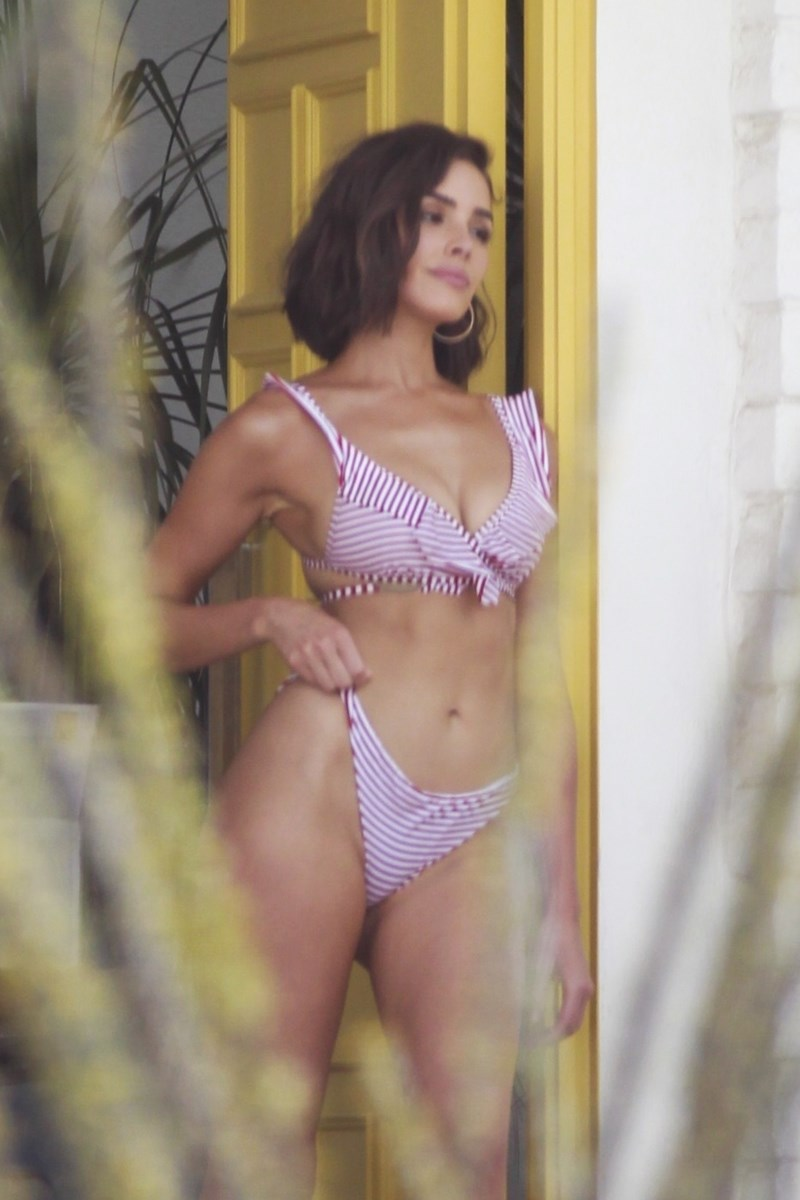 Olivia Culpo w SEXY bikini!