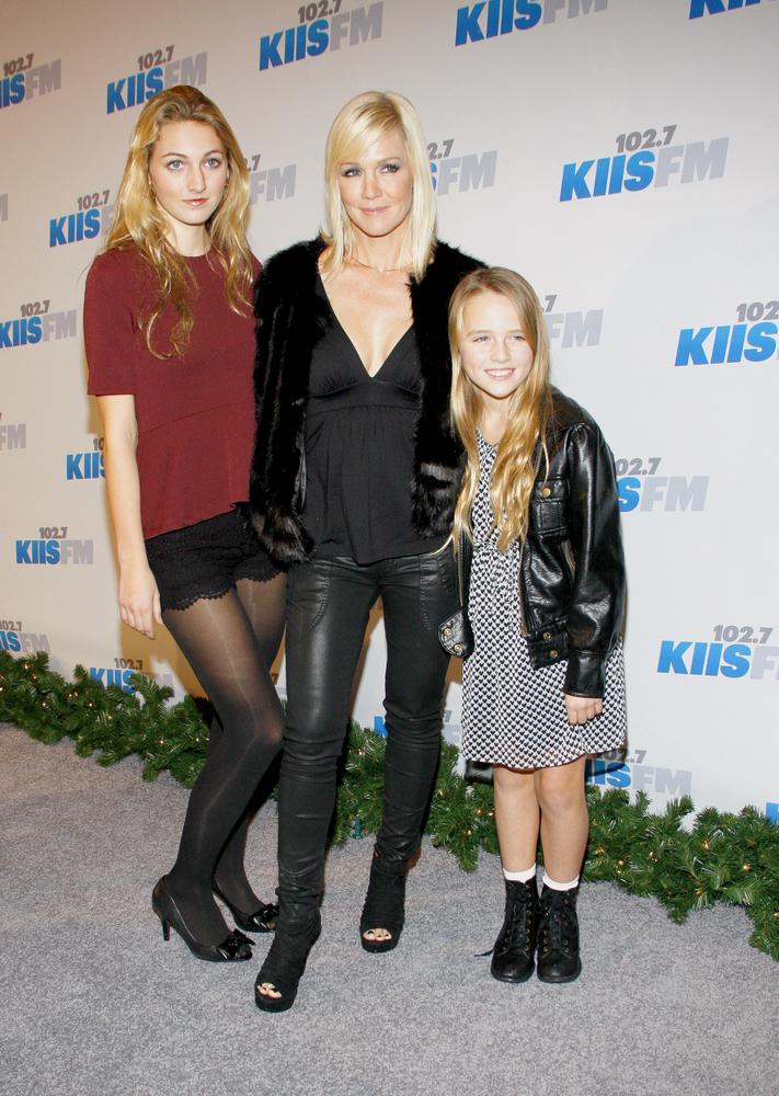 Jennie Garth na imprezie z córkami