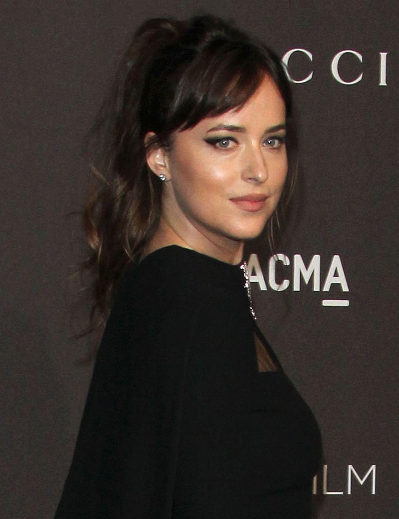 Dakota Johnson w kreacji od Gucci na gali LACMA – jak ocenicie jej look?