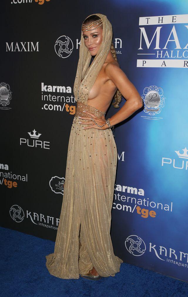 Joanna Krupa na pierwszym halloweenowym balu 2017
