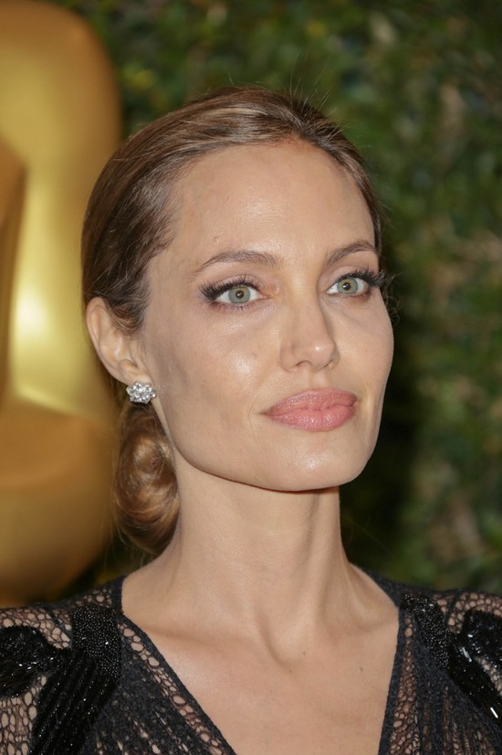 Angelina Jolie na 5th Annual Academy of Motion Picture Arts and Sciences' Governors Awards