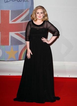 Czy Adele się zaręczyła? (FOTO)