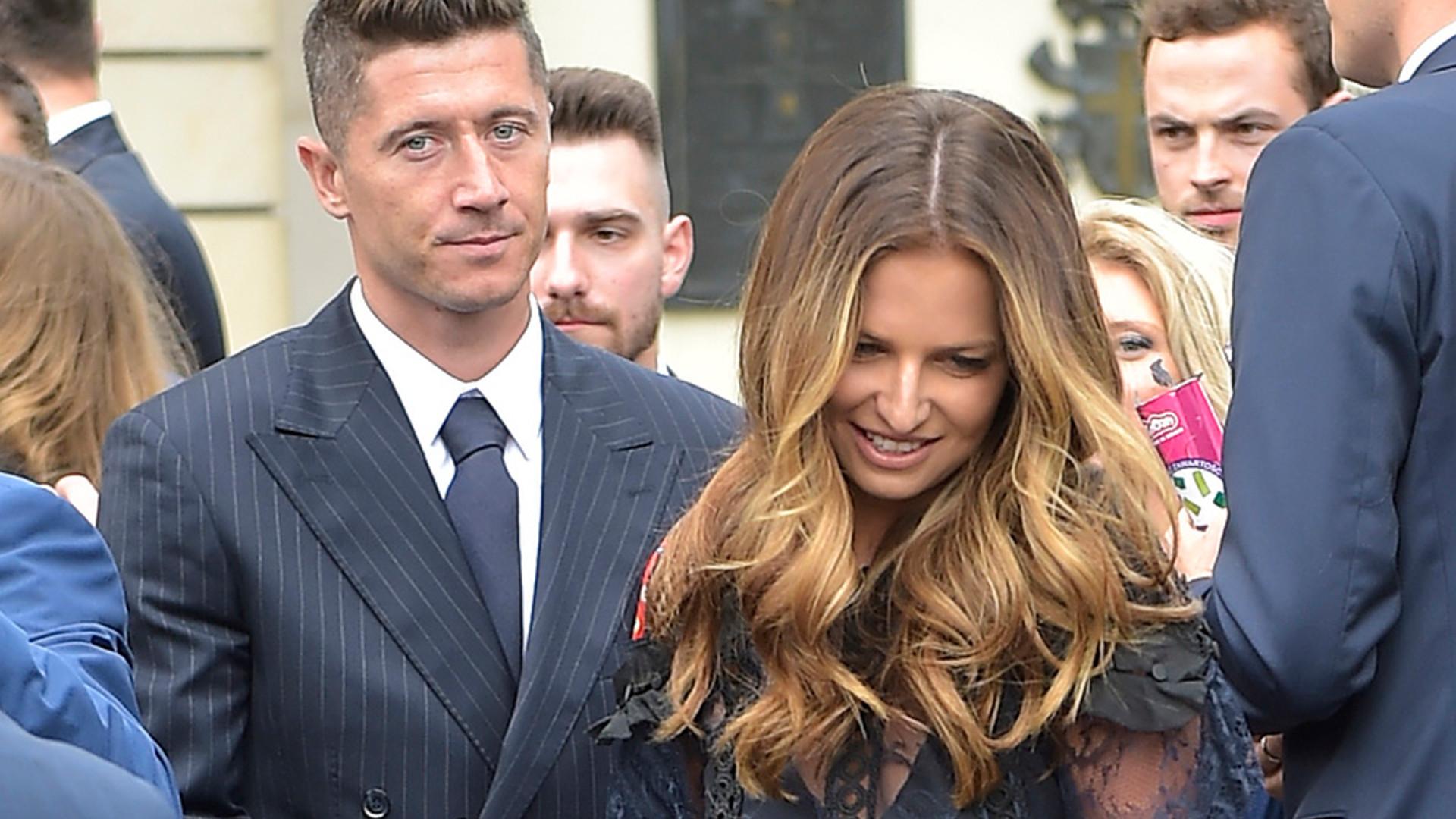 Anna Lewandowska i Robert Lewandowski na ślubie córki Anny Korcz
