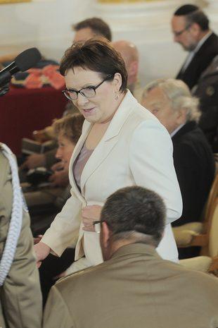 Fakt oburzony ceną trampek premier Ewy Kopacz