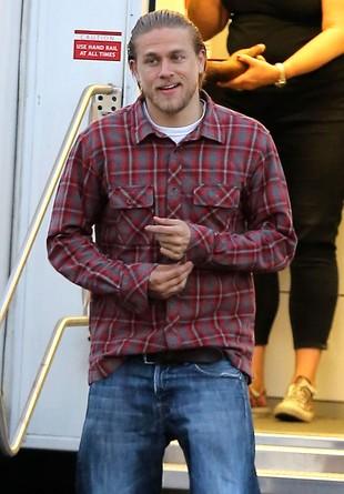 Charlie Hunnam nie zagra Greya. Zagra Króla Artura