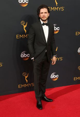 Kit Harington oświadczył się na Emmy 2016! (VIDEO)