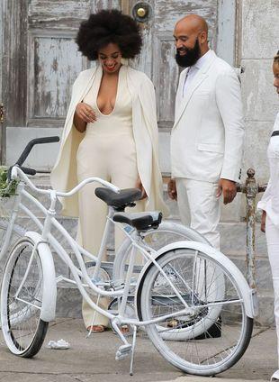 Ślubna kreacja Solange Knowles już krytykowana (FOTO)