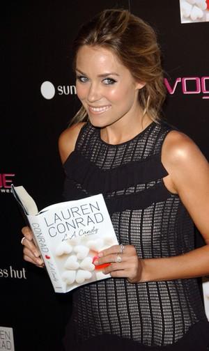 Lauren Conrad promuje swoją książkę (FOTO)