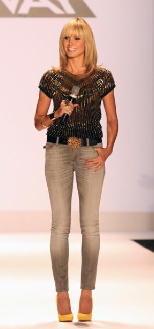 Heidi Klum z wąsami