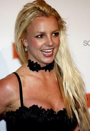 Britney Spears płaci ojcu za wyciągnięcie jej z bagna