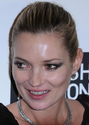 Kate Moss bez pryszczy! (FOTO)