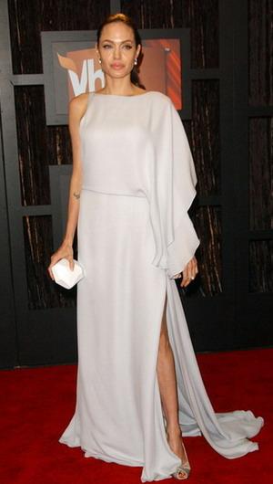 Angelina Jolie wygląda jak staruszka