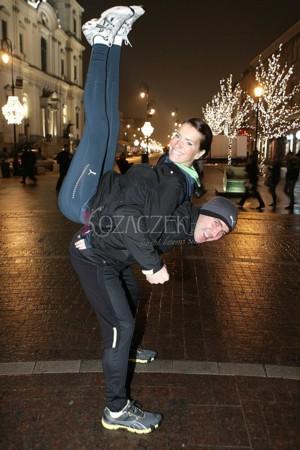 Kurzajewski z żoną ćwiczą na mieście (FOTO)