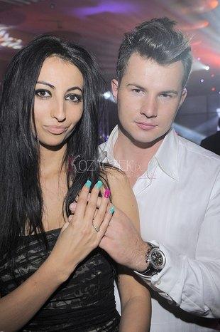 Jola Rutowicz chwali się pierścionkiem (FOTO)