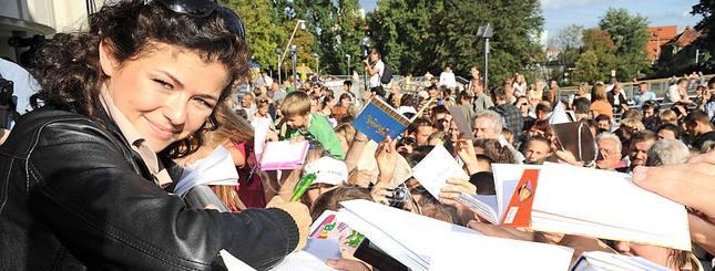 Wszyscy kochają Kasię Cichopek! (FOTO)