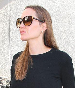 Angelina Jolie dostanie 50 milionów za autobiografię
