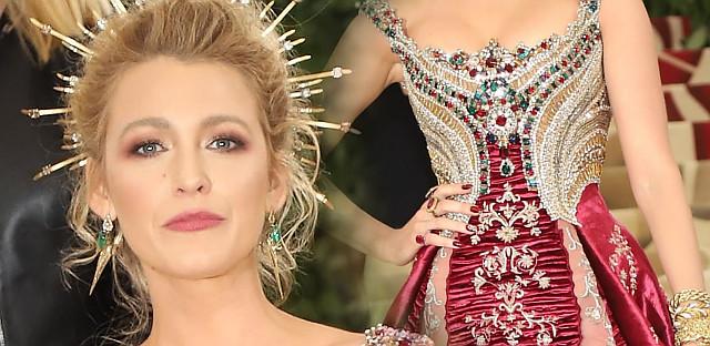 Blake Lively niczym księżna (Kate, Meghan – wybaczcie) na Met Gali (ZDJĘCIA)