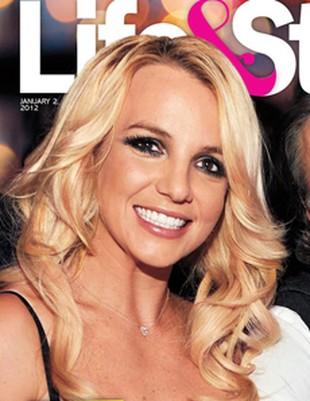 Britney dostała pierścionek za 92 tys. dolarów (FOTO)