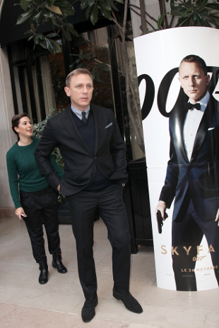 James Bond pobił Harrego Pottera (VIDEO)