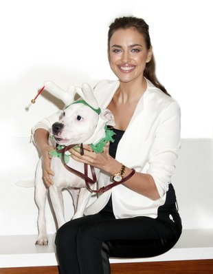 Irina Shayk namawia do adopcji zwierząt (FOTO)