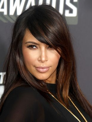 Fryzura Kim Kardashian z gali MTV hitem wśród dziewczyn