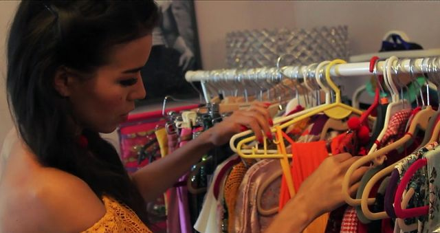 Macademian Girl pokazuje swoją garderobę! (VIDEO)