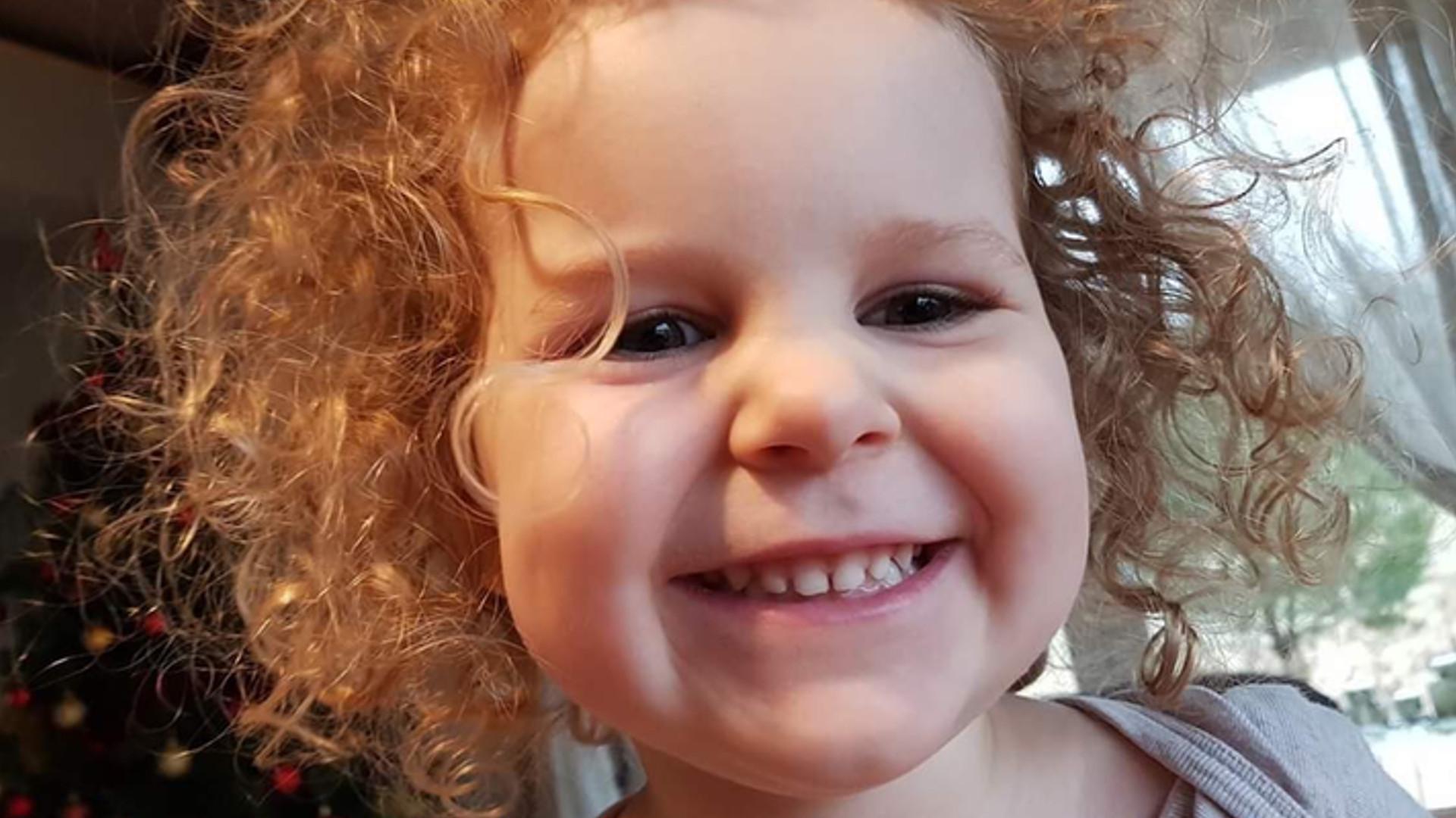 3-letnia Amelia i jej mama zostały PORWANE na ulicy – trwają poszukiwania