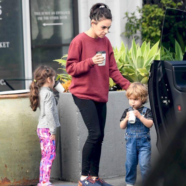 EXCLUSIVE: Ashton Kutcher and Mila Kunis take their children along on a coffee run