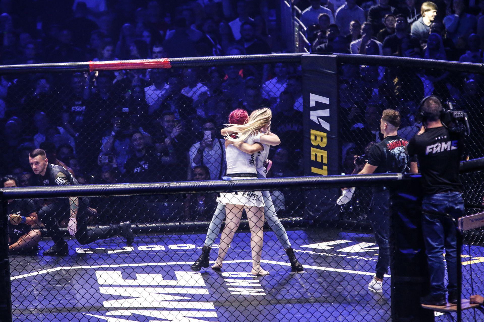 FAME MMA 3 - Marta Linkiewicz walczy z Esmeraldą Godlewską