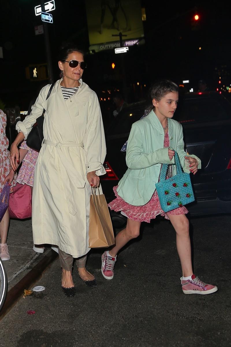 Katie Holmes z córką na urodzinowym obiedzie. Ale wyrosła!