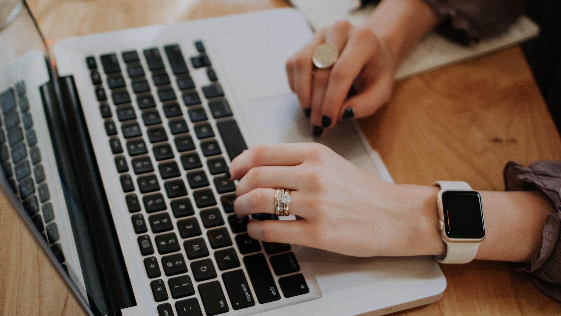 Czego kobiety szukają w Sieci?