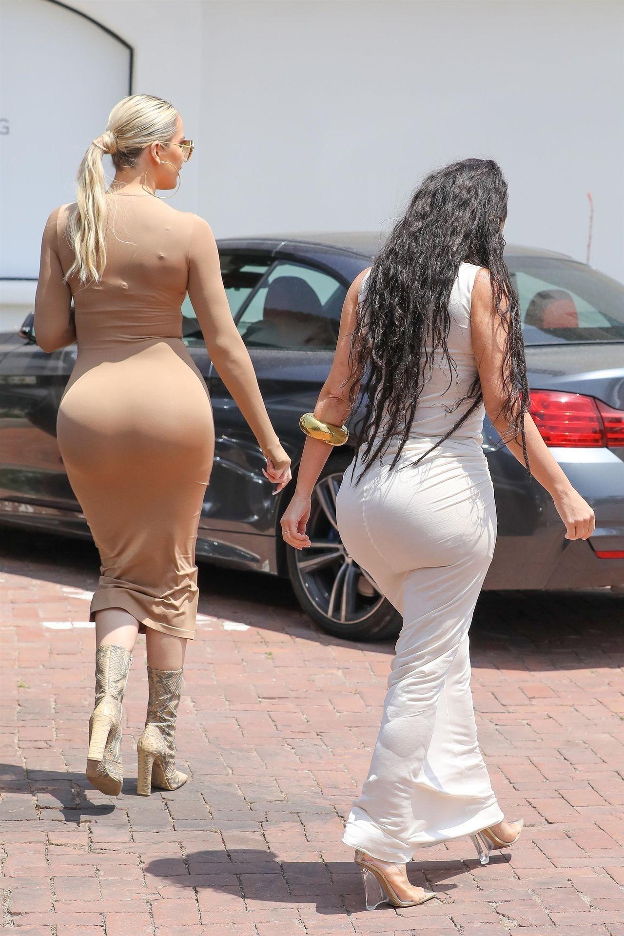 *EXCLUSIVE* Kim and Kourtney Kardashian drop jaws in Malibu