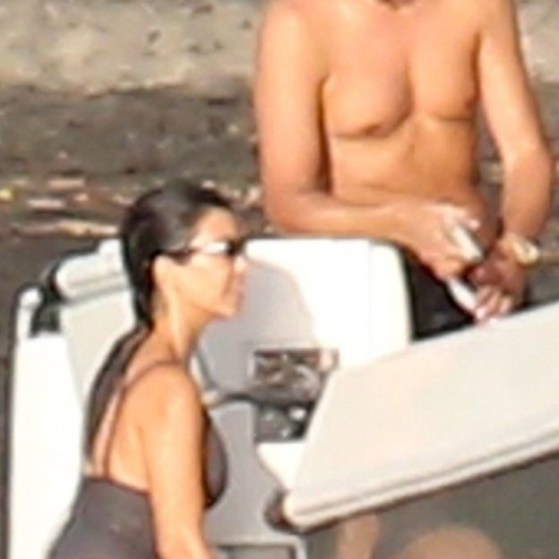 *EXCLUSIVE* Kourtney Kardashian and Scott Disick vacation together in Costa Rica - ** WEB MUST CALL FOR PRICING **