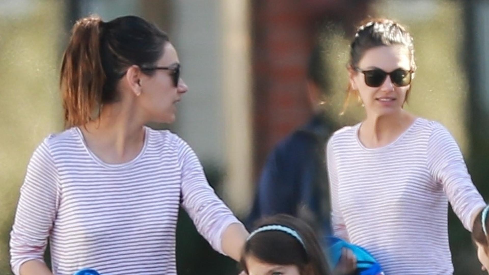 Mila Kunis na spacerze z córką i synem (ZDJĘCIA)