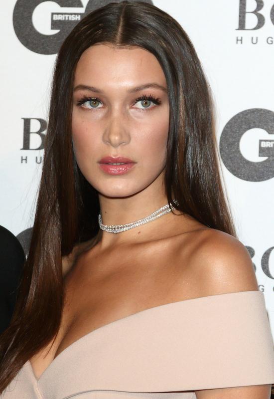 SOS! Czy Bella Hadid potrzebuje pomocy? Co stało się z jej włosami?
