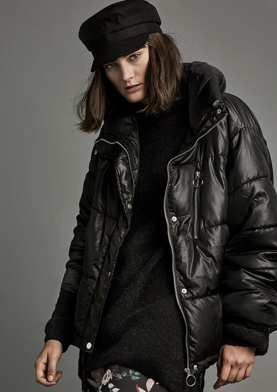 Stradivarius The Coat Issue – Modne młodzieżowe płaszcze w kilku stylach na zimę