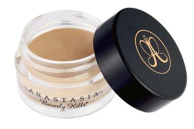Ile kosztują kosmetyki, których używa Kylie Jenner?