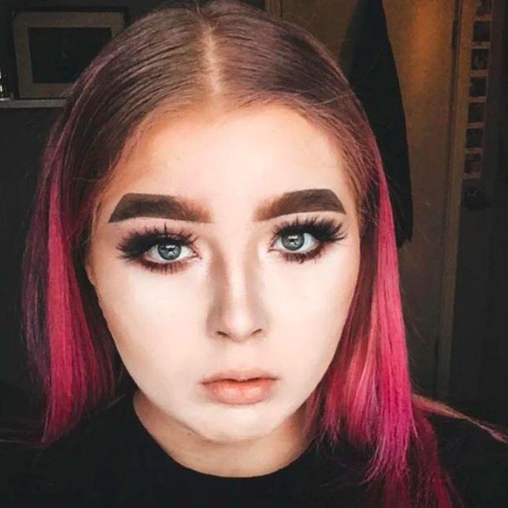 Po wizycie u makijażystki wstydzą się wyjść z domu