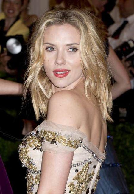 Scarlett Johansson w kreacji od Dolce&Gabbana (FOTO)