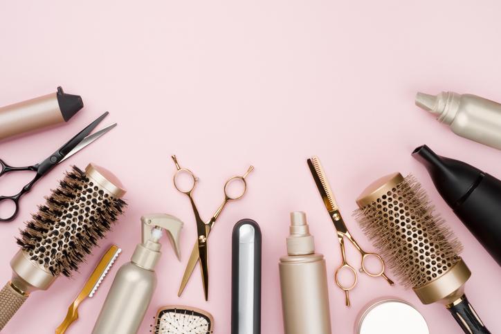 7 typów klientek, przez które fryzjerki myślą o zmianie zawodu
